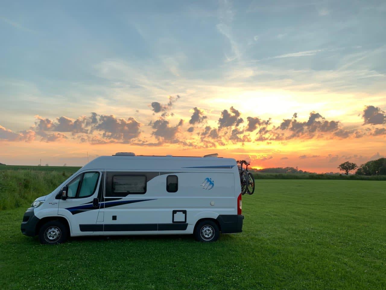 Camping für Anfänger Paul Camper Wohnmobil Obresi